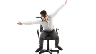 3 modi più salutari per usare la sedia in ufficio