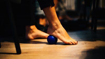 Automassaggio sul luogo di lavoro? 3 consigli per usare le palline con discrezione